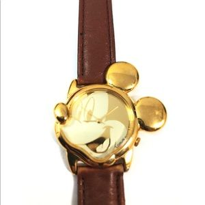 Vintage Lorus Mickey Mouse Leather Band watch